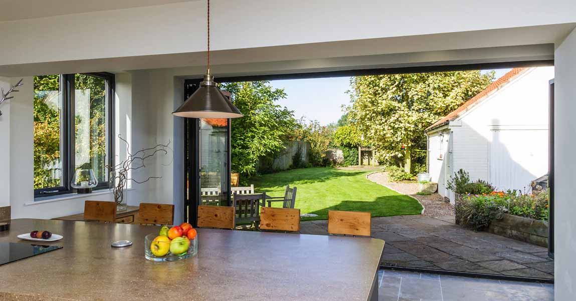 Read more about the article Enhancing your Home for Summer Entertaining